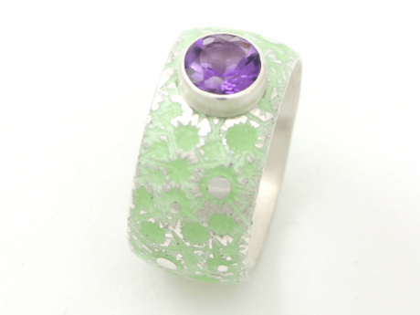 Emaille-Ring Eisblume mit Amethyst