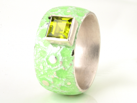 Emaille-Ring Eisblume mit Peridot