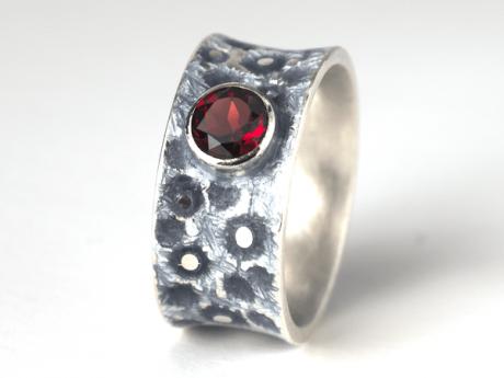 Emaille-Ring Eismeer 10 mit Granat rund