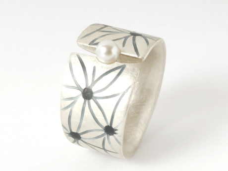 Emaille-Ring Fleur mit Perle