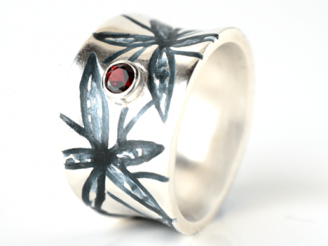 Emaille-Ring Myra mit Granat