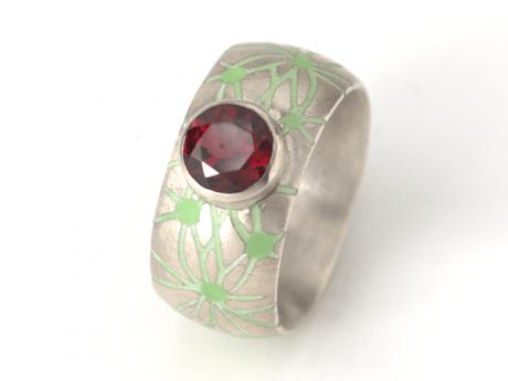 Emaille-Ring Netzwerk mit Granat